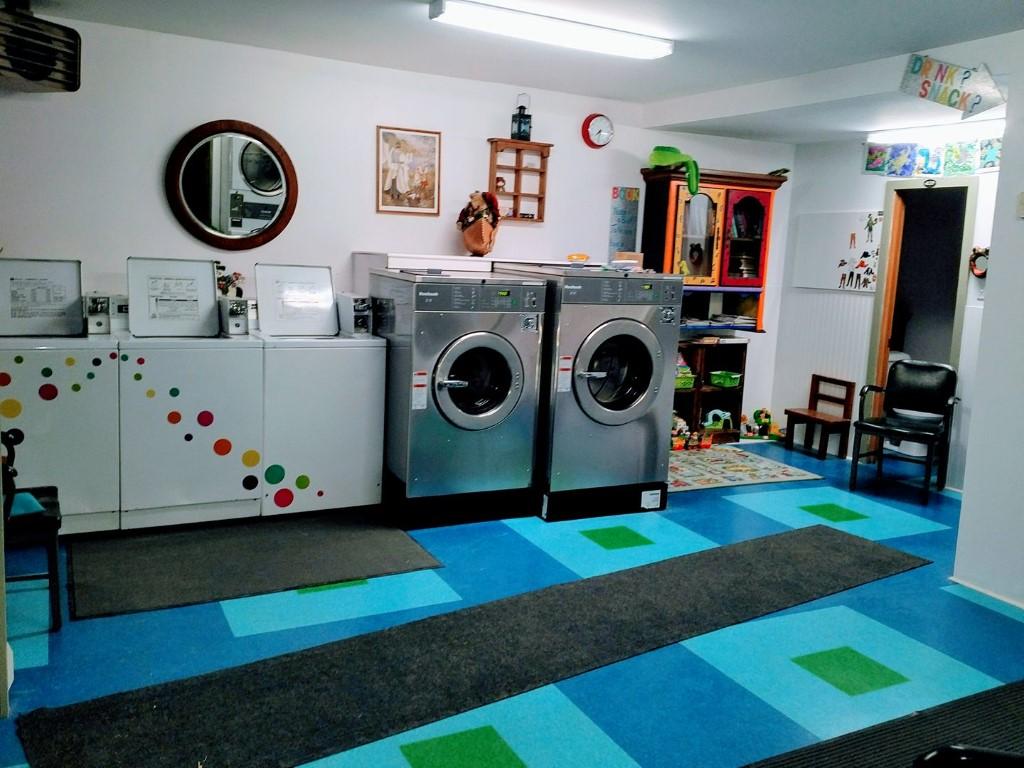 laundromat-full-pic